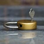 JAK UWOLNIĆ SIĘ OD BOLESNYCH WSPOMNIEŃ?